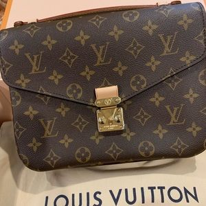 Louis Vuitton Metis Pochette Monogram Crossbody